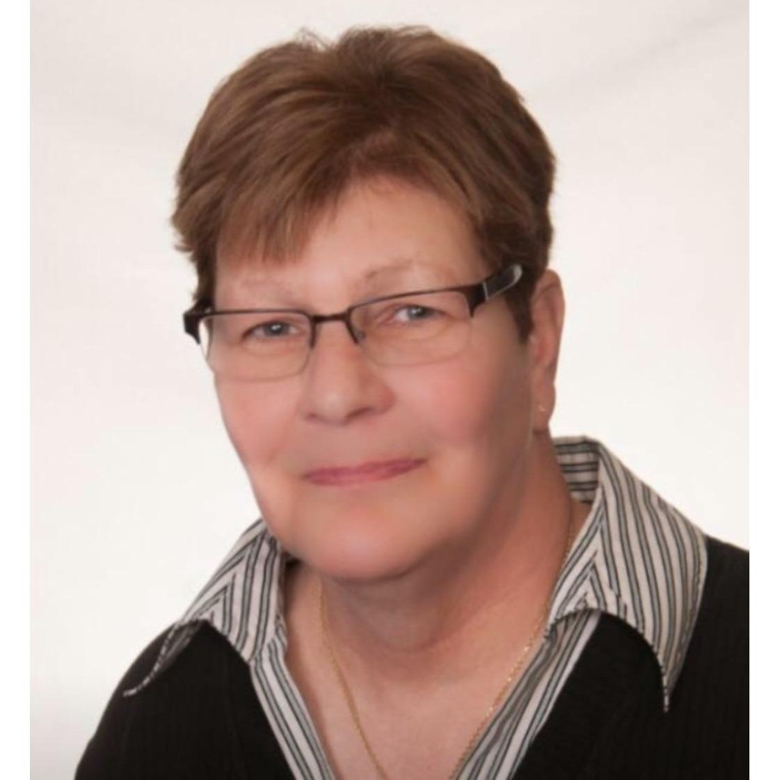 Deb Schusterman Real Estate Services