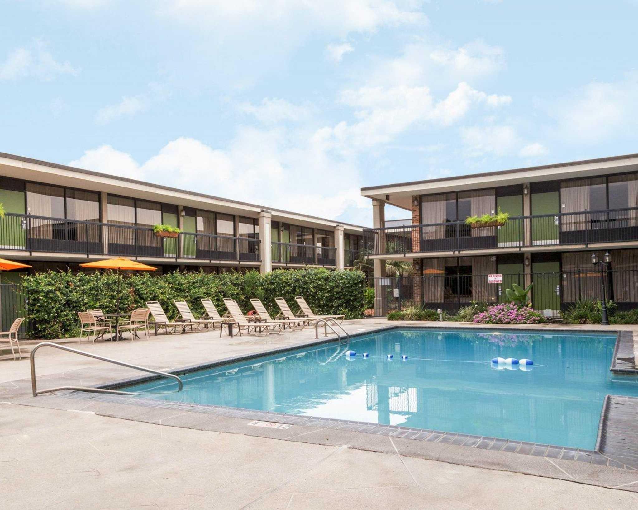 Clarion Inn Amp Suites Conference Center Covington