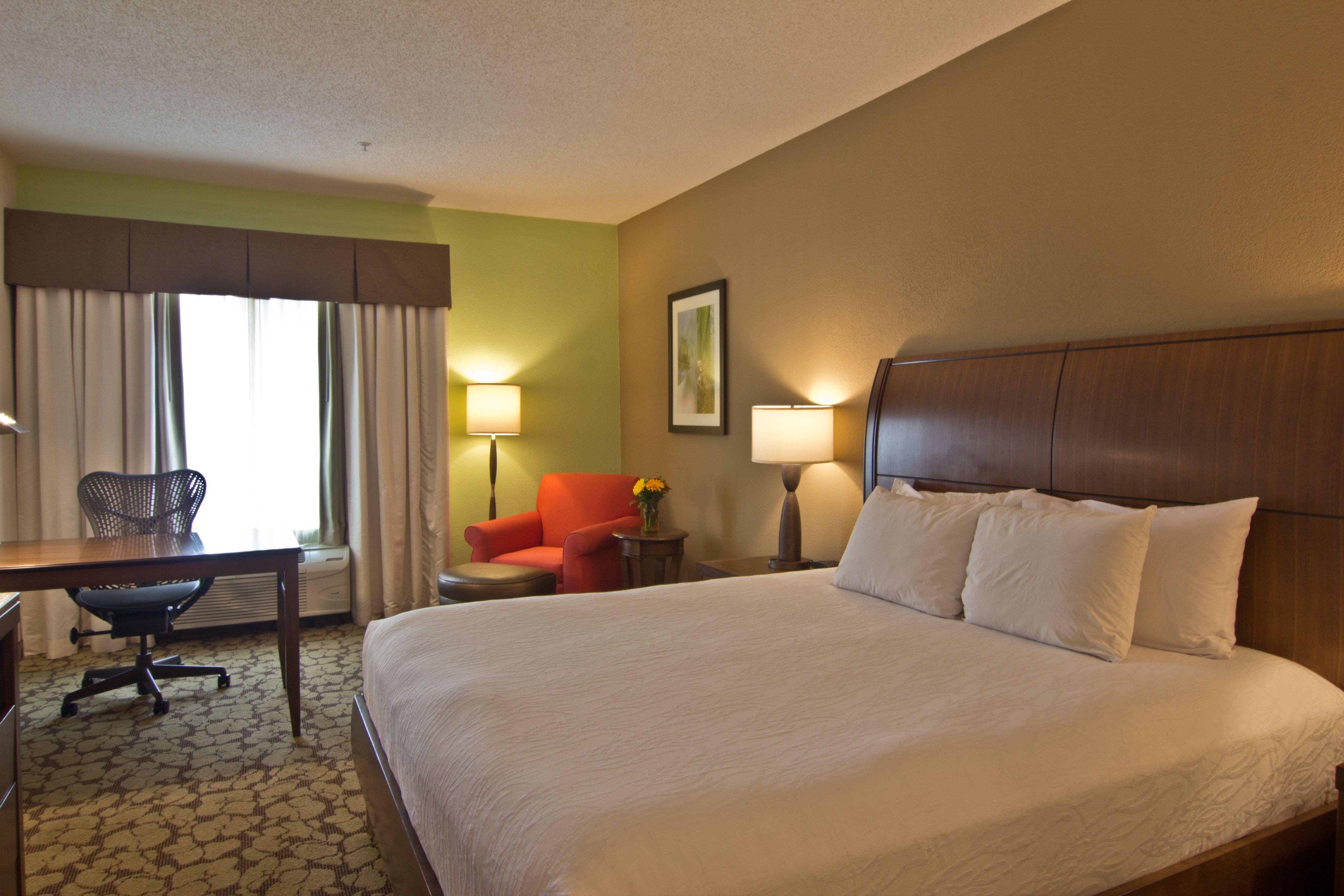 Hampton Inn And Suites Garden Grove King Executive Room