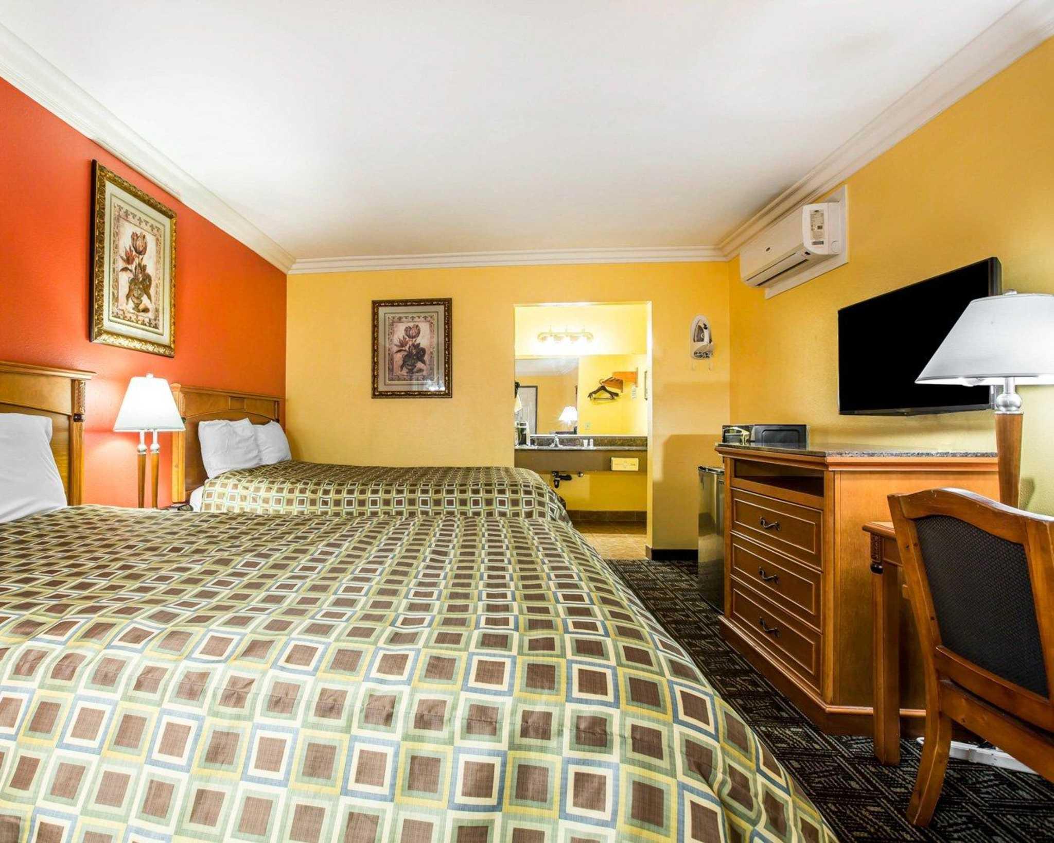 Hotels Near W Ux