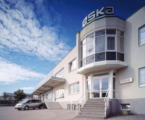 ESKA Lederhandschuhfabrik Gesellschaft m.b.H. & Co. KG.
