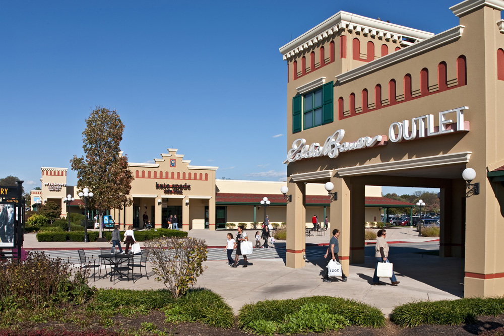 Hagerstown Premium Outlets is an outlet center located in Hagerstown, Maryland. The center is owned by Premium Outlets, a subsidiary of Simon Property Group, and takes its name from the town in which it is located/5(50).
