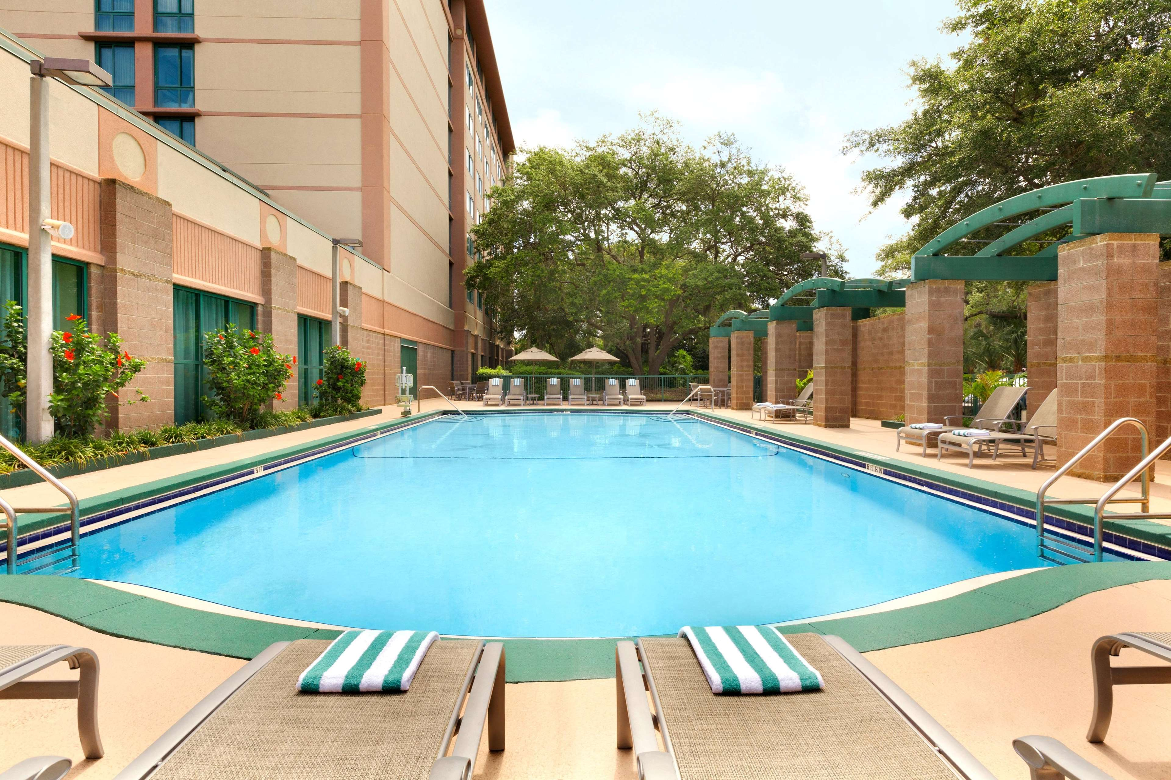 Embassy Suites By Hilton Tampa Usf Near Busch Gardens Tampa Fl