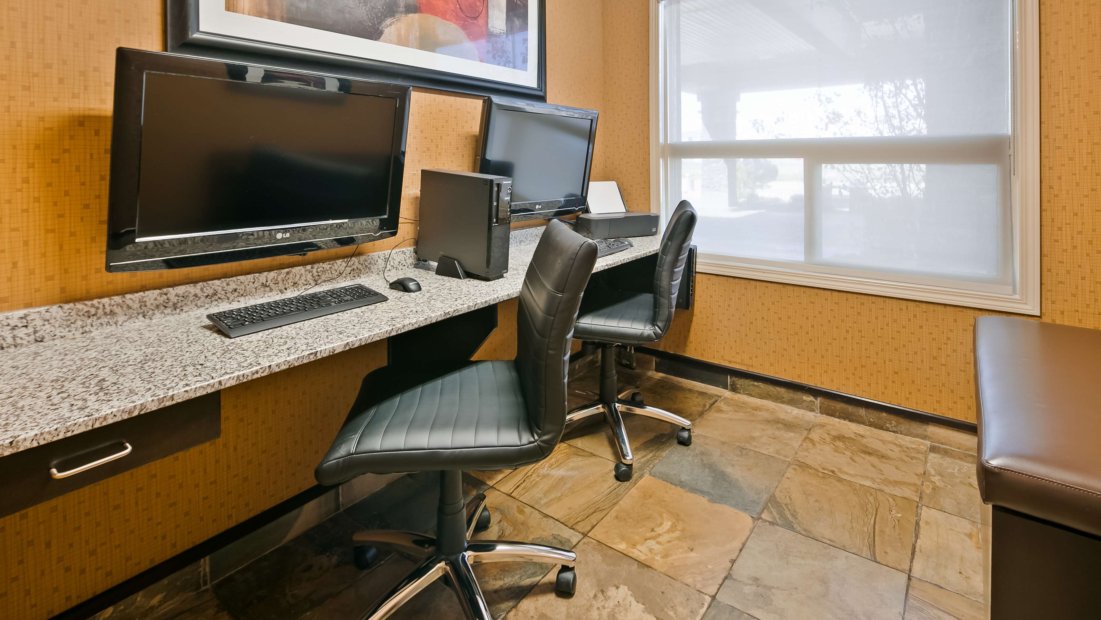 Stay productive during your time awa Best Western Wainwright Inn & Suites Wainwright (780)845-9934