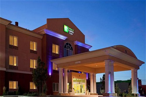 Holiday Inn Express & Suites Reno Airport image 1
