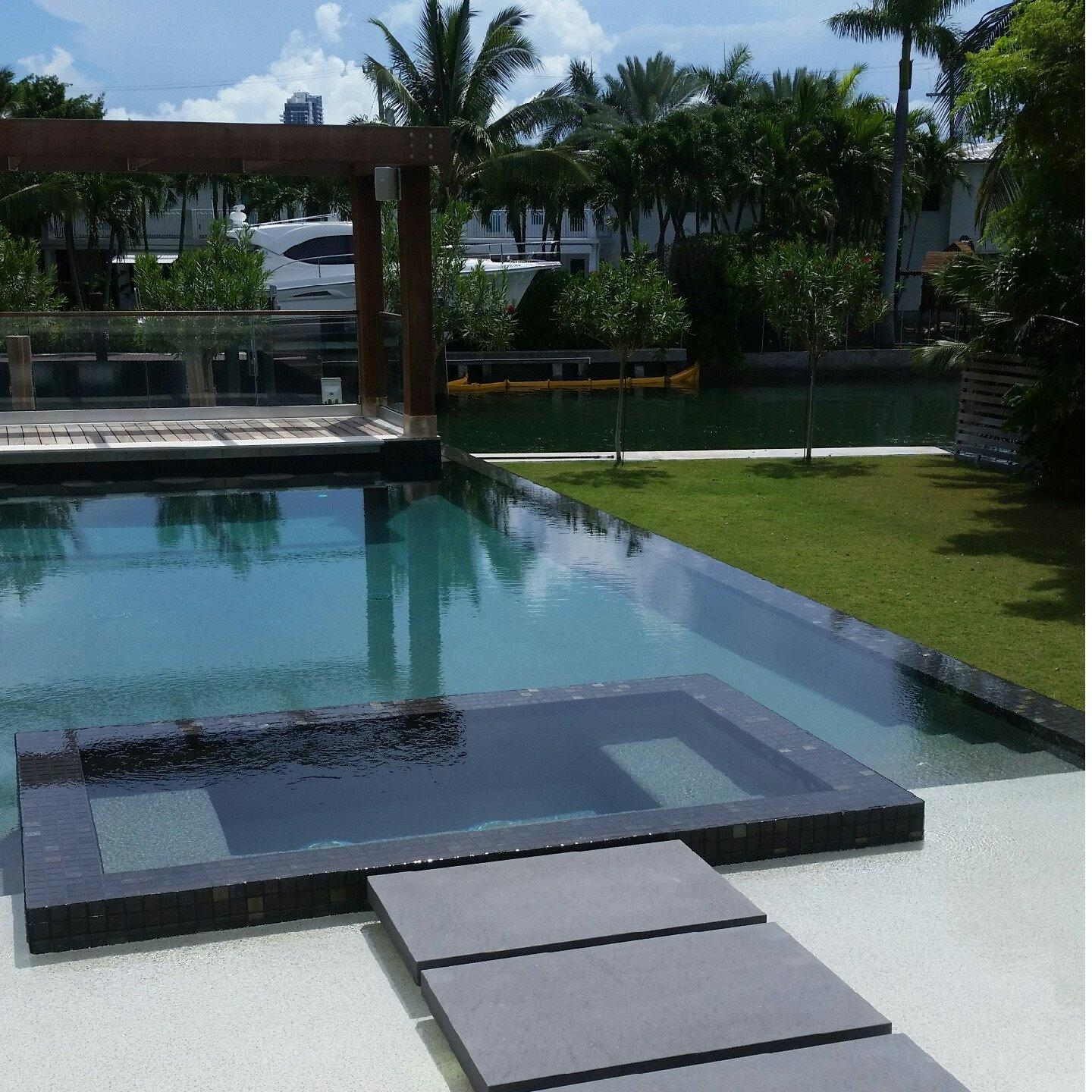 Aqua escapes inc in west palm beach fl swimming pool for Swimming pool dealers