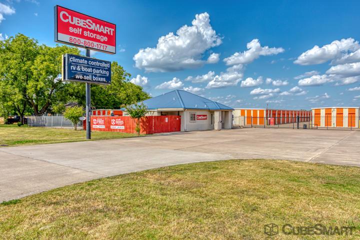 CubeSmart Self Storage - Taylor, TX 76574 - (512)352-5588 | ShowMeLocal.com