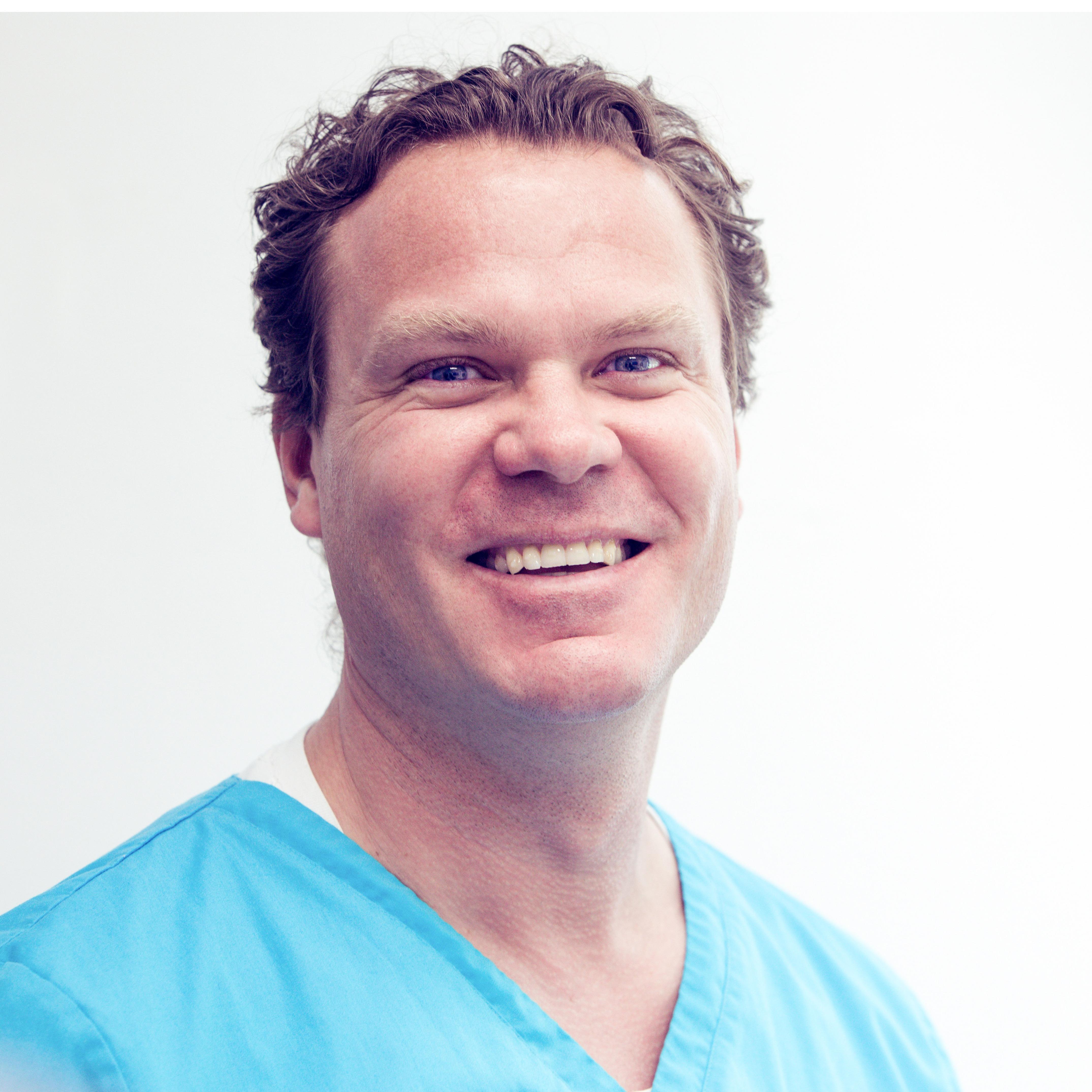 Dr. med. univ. Dr. med. dent. Helfried Fischer - LOGO
