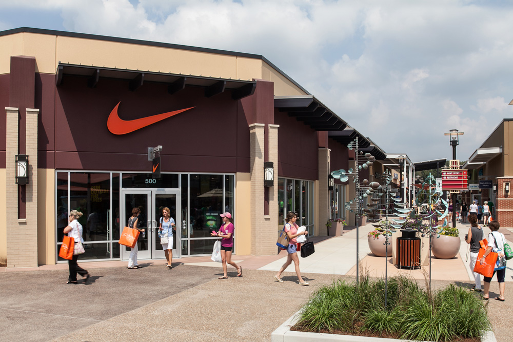 Converse Factory Store - Saint Louis Premium Outlets in Chesterfield, MO Phone Number: +1 ()