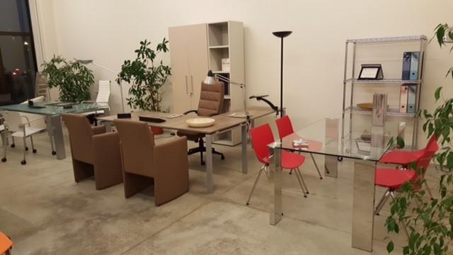Arreda commercio di mobili per ufficio arezzo italia for Monti arreda