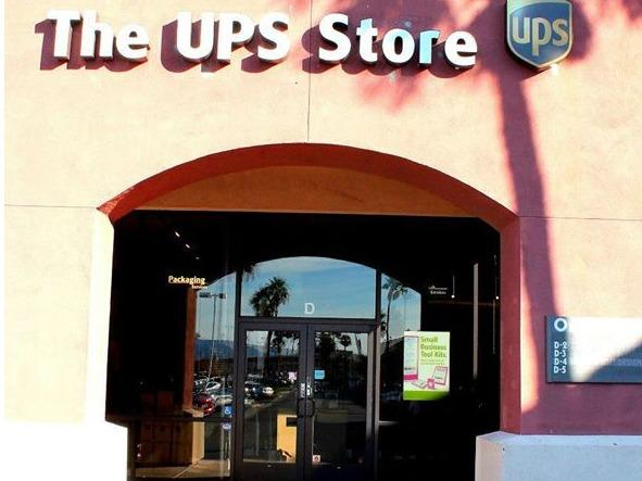 Facade of The UPS Store Desert Hot Springs