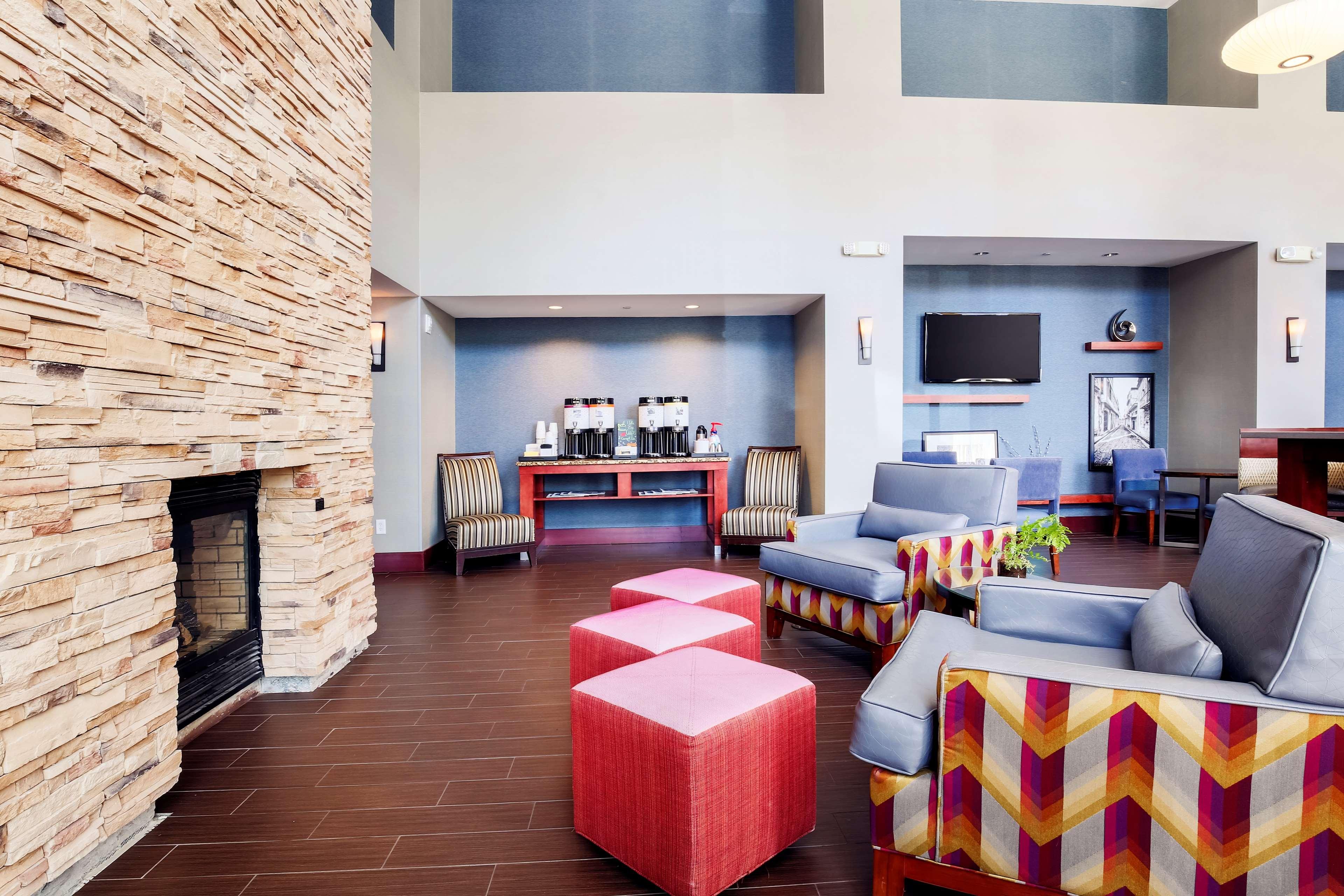 hampton inn suites poughkeepsie poughkeepsie new york. Black Bedroom Furniture Sets. Home Design Ideas