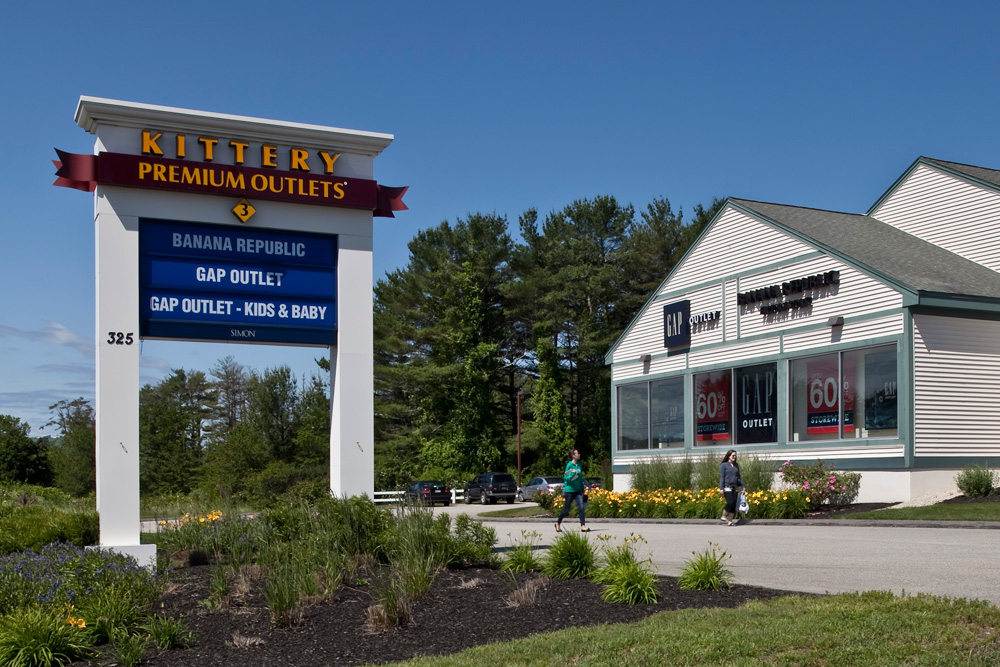 Kittery Outlets is located in Kittery, Maine and offers 57 stores - Scroll down for Kittery Outlets outlet shopping information: store list, locations, outlet mall hours, contact and address. Address and locations: The Kittery Outlets, U.S. 1, Kittery, Maine - ME /5(1).