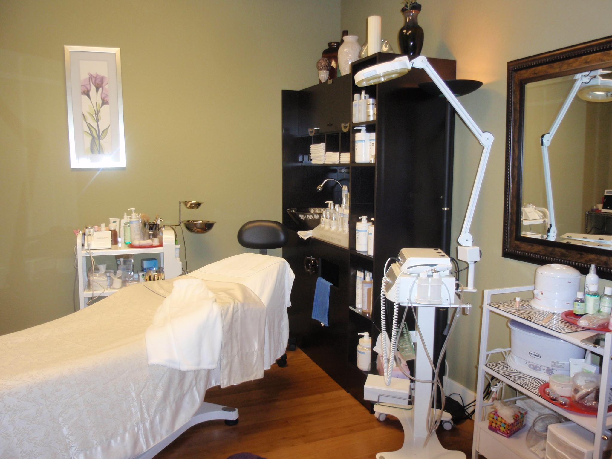 Pretty skin in bentonville medical arts in bentonville ar for Acropolis salon bentonville ar