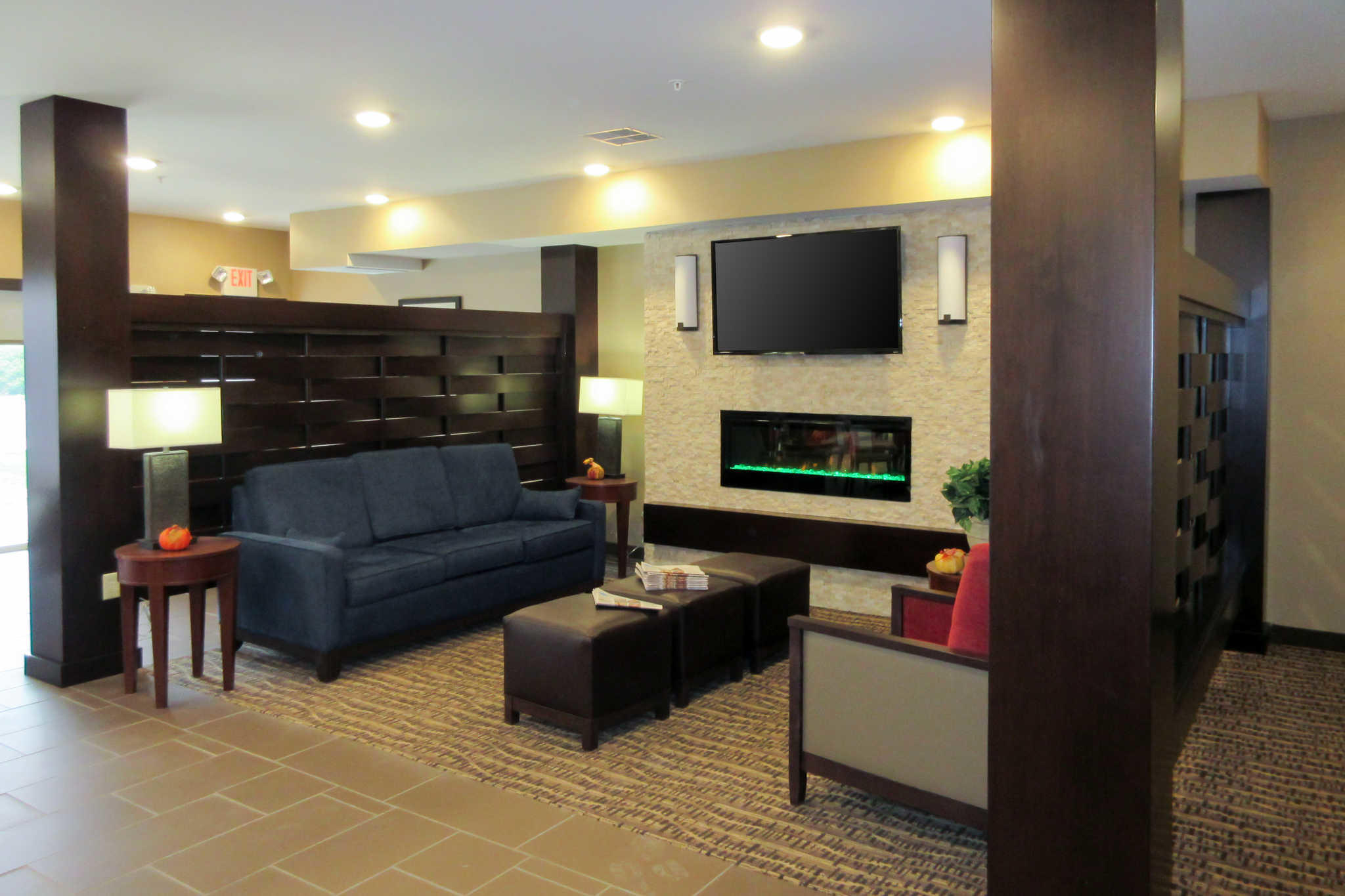 Comfort Inn Amp Suites Northern Kentucky In Wilder Ky 41076
