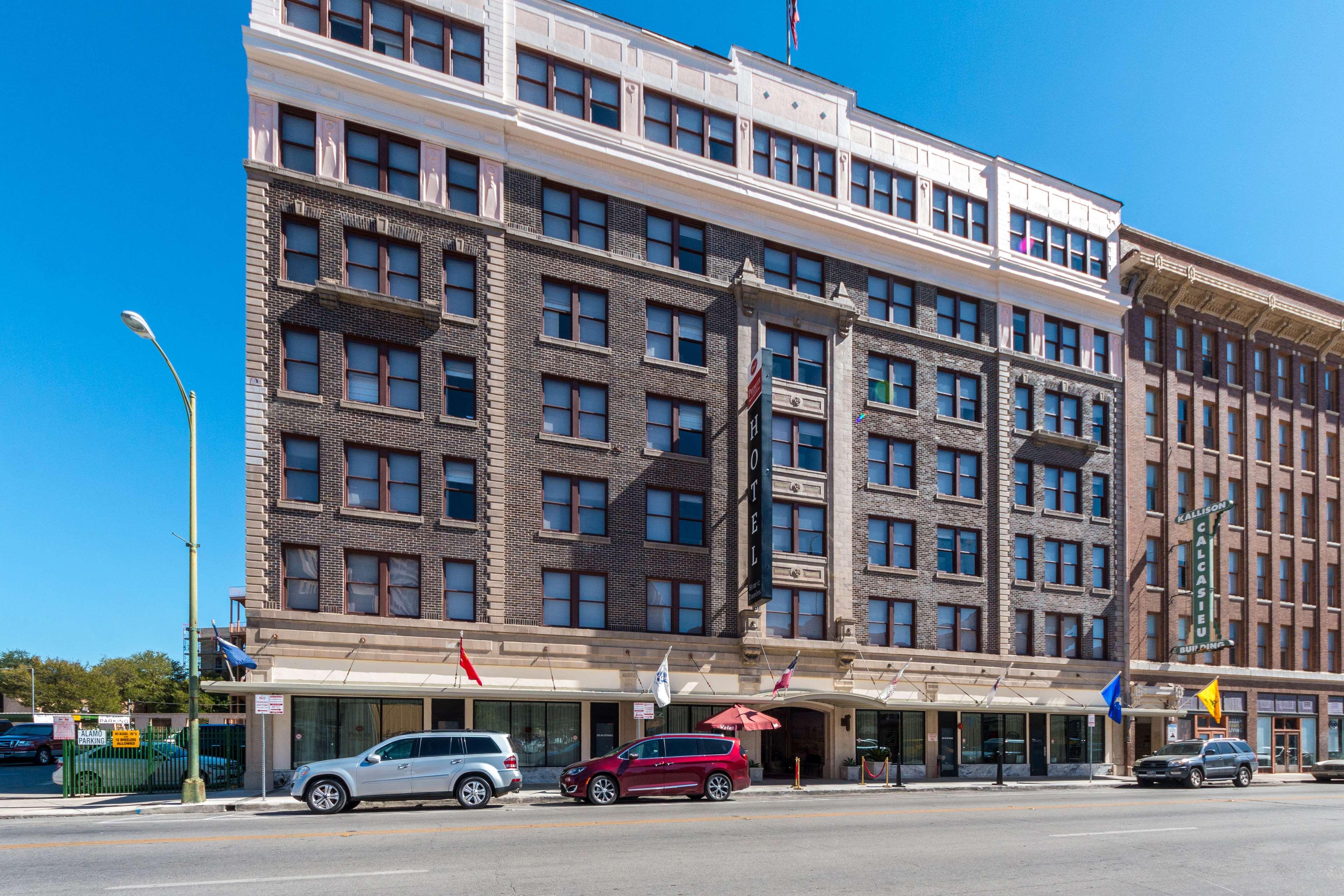 Best Western Premier Historic Travelers Hotel Alamo Riverwalk