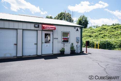 CubeSmart Self Storage - Derby, CT 06418 - (203)735-4415 | ShowMeLocal.com