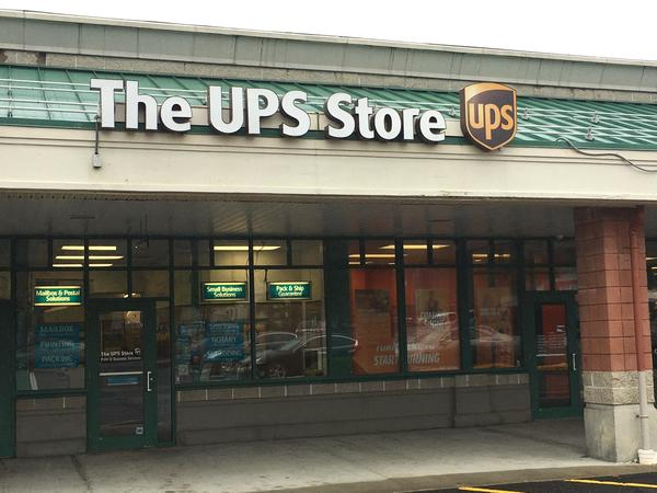 The Ups Store Heritage Park Plaza Shipping Packing Printing And