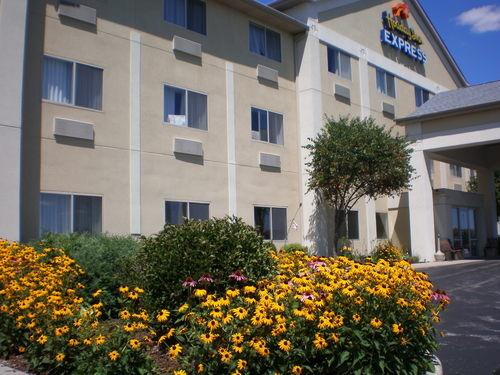 Holiday Inn Express Elkhart North I 80 90 Ex 92