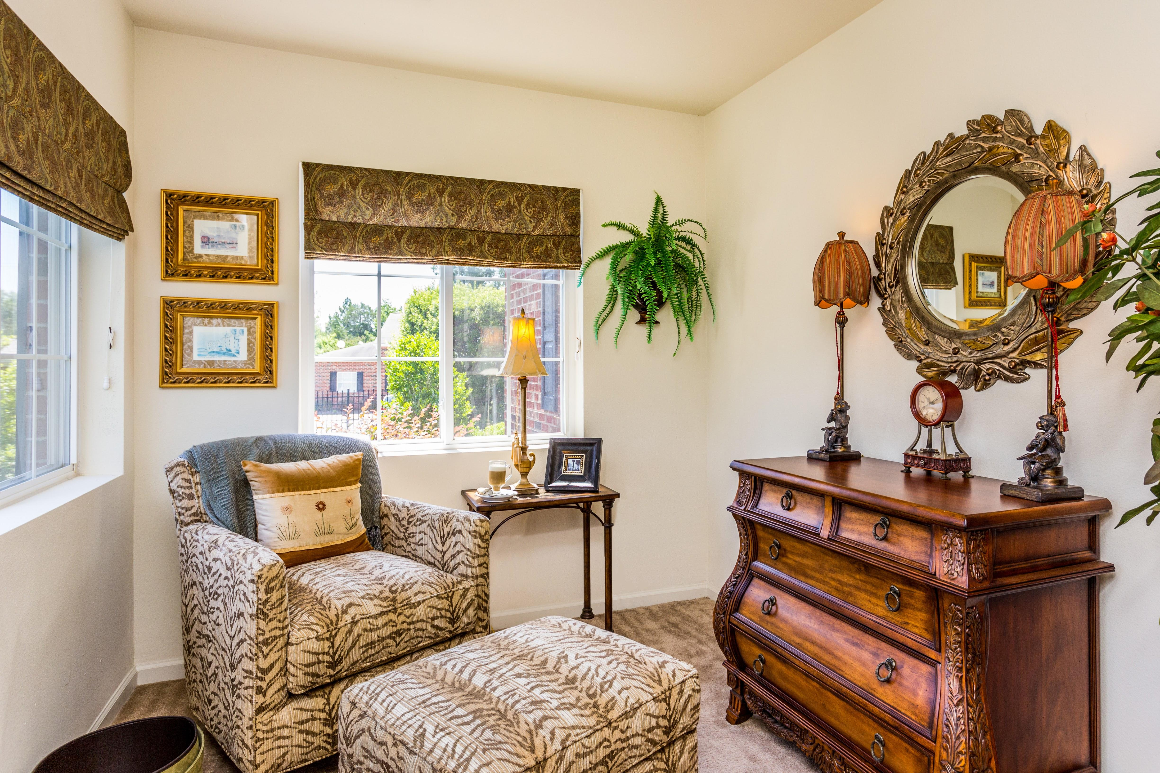 Featherstone Village Apartments Reviews