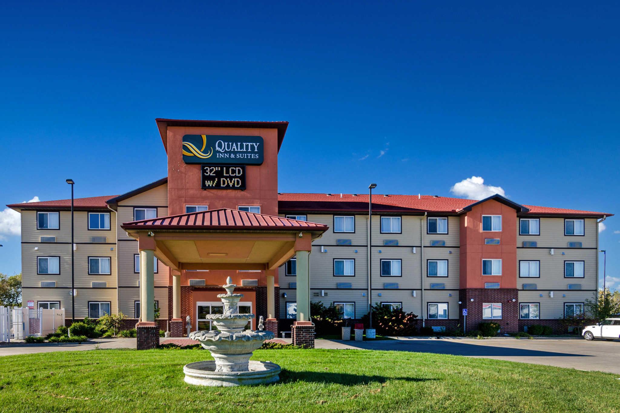 Quality Inn  U0026 Suites  Park City Kansas  Ks