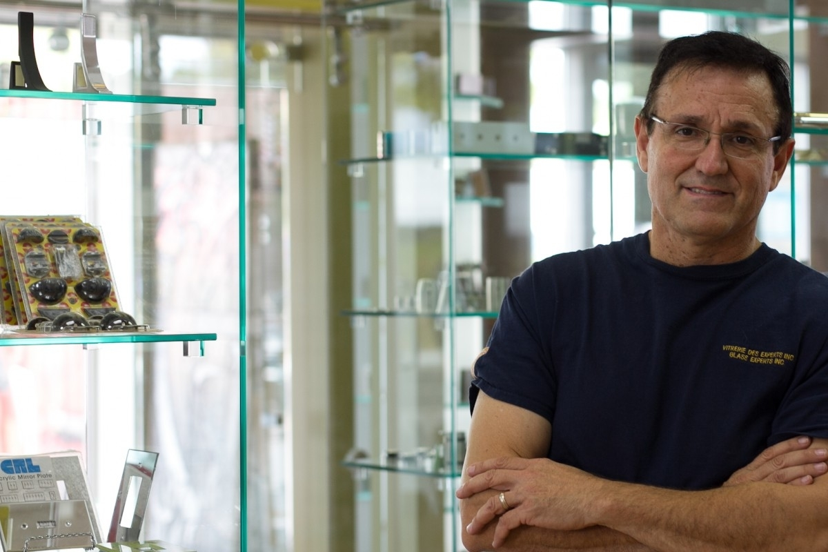 Vitrerie des Experts / Glass Experts à Montréal: Bill Papadimitriou, owner at Vitrerie des Experts / Glass Experts.