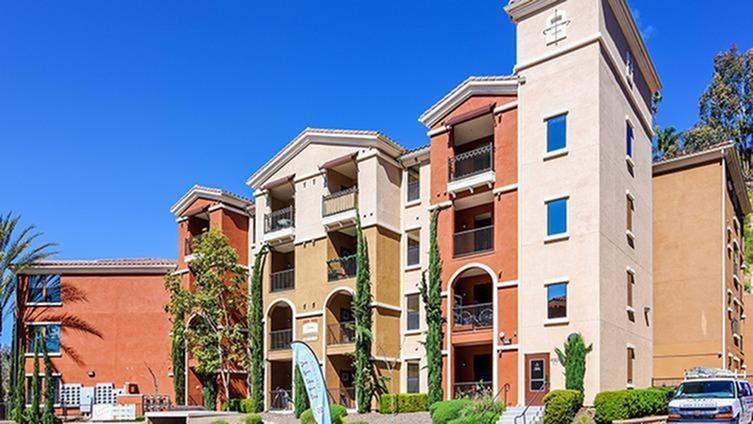 Images Fifty Twenty-Five Apartments