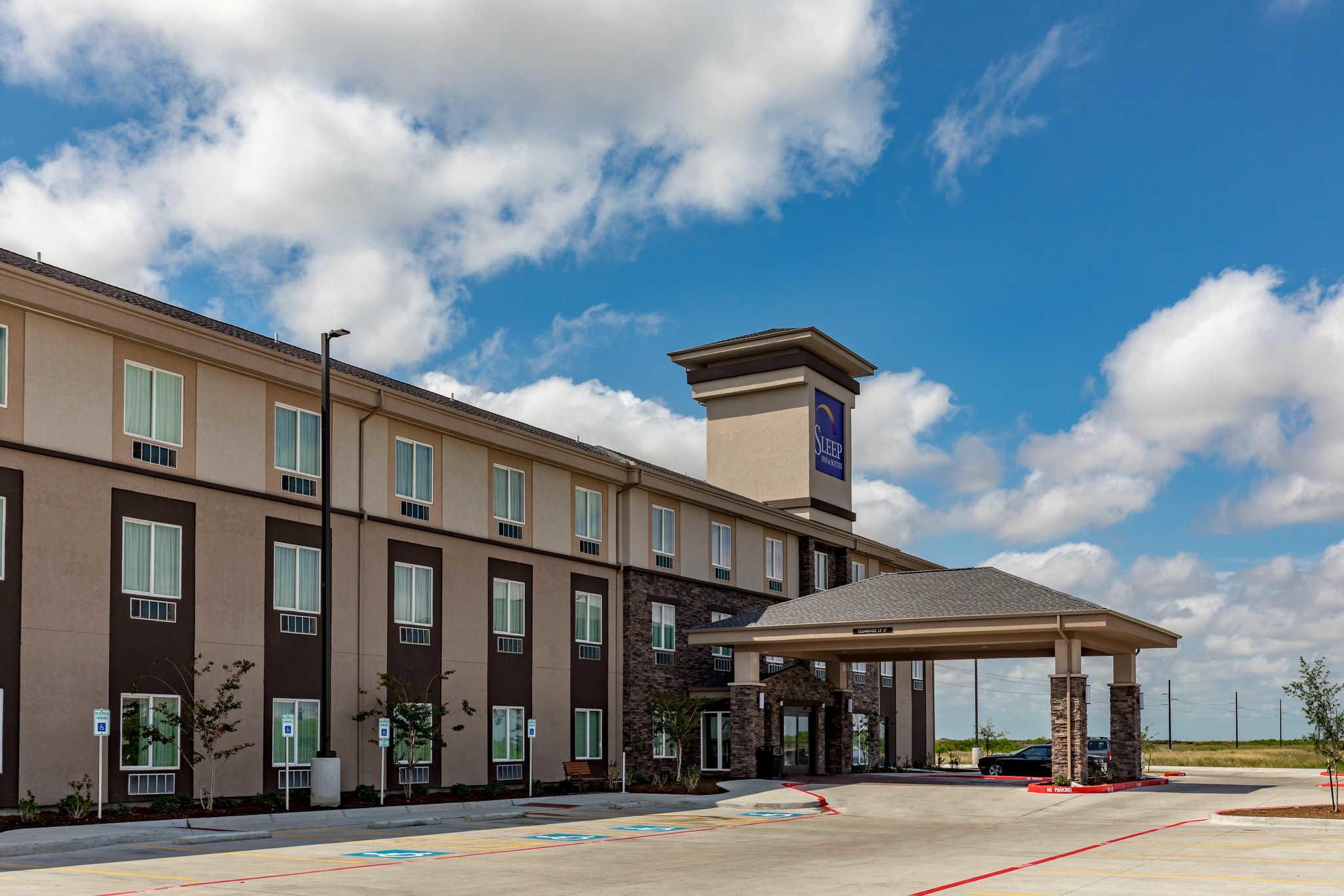 Motels Near Texas State Aquarium