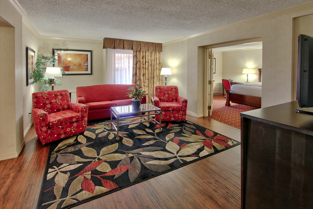 Hotel Eleganté Conference and Event Center