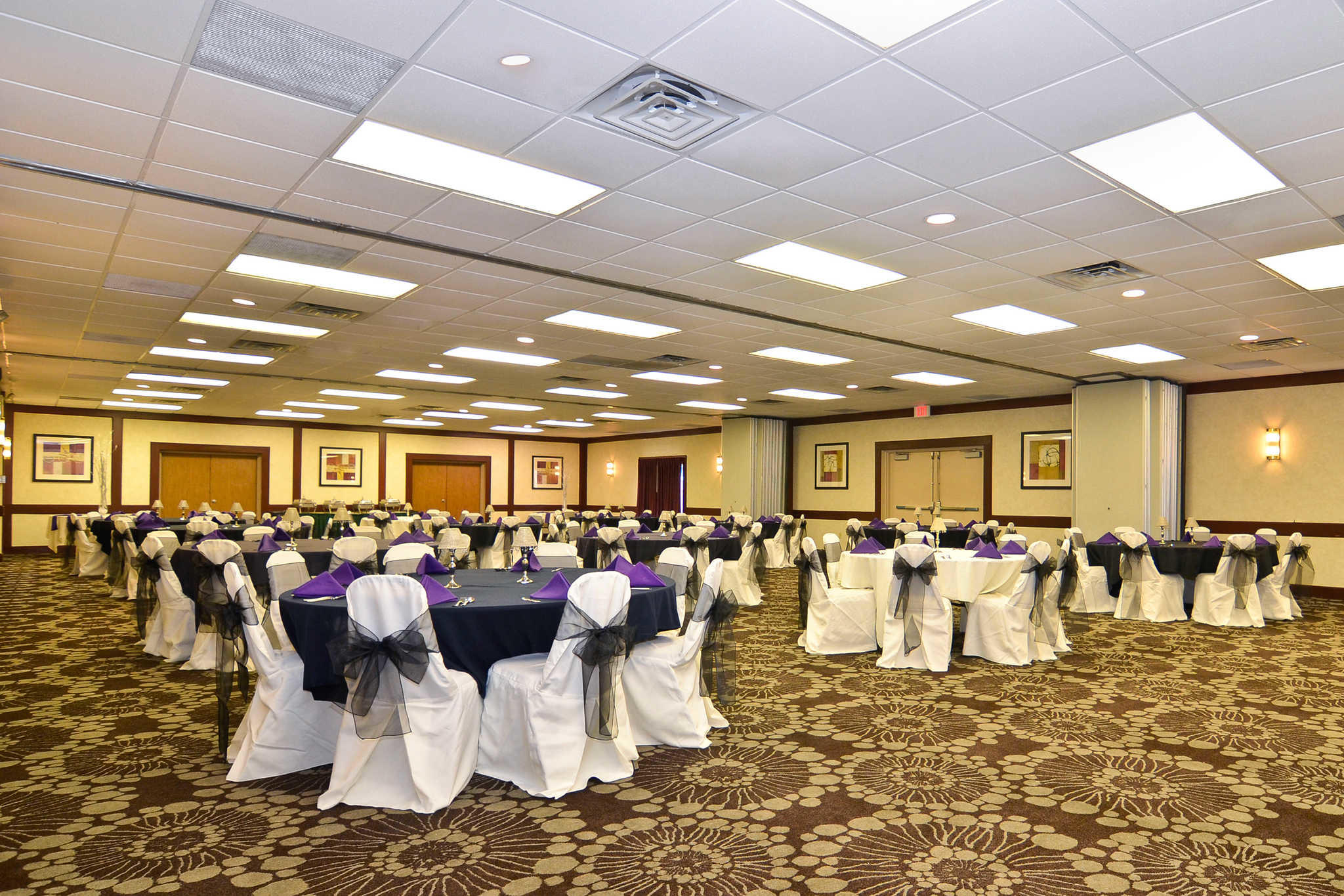 Quality Inn Amp Conference Center In Akron Oh 44312