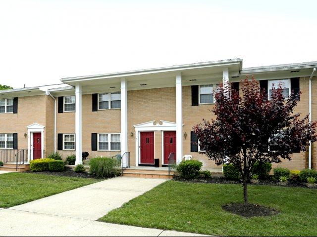 Sterling Glen Apartments