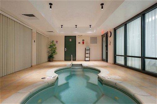 Holiday Inn Express & Suites Auburn image 1