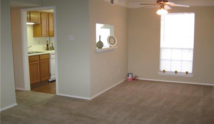 Allen House Apartments In Houston, TX 77019