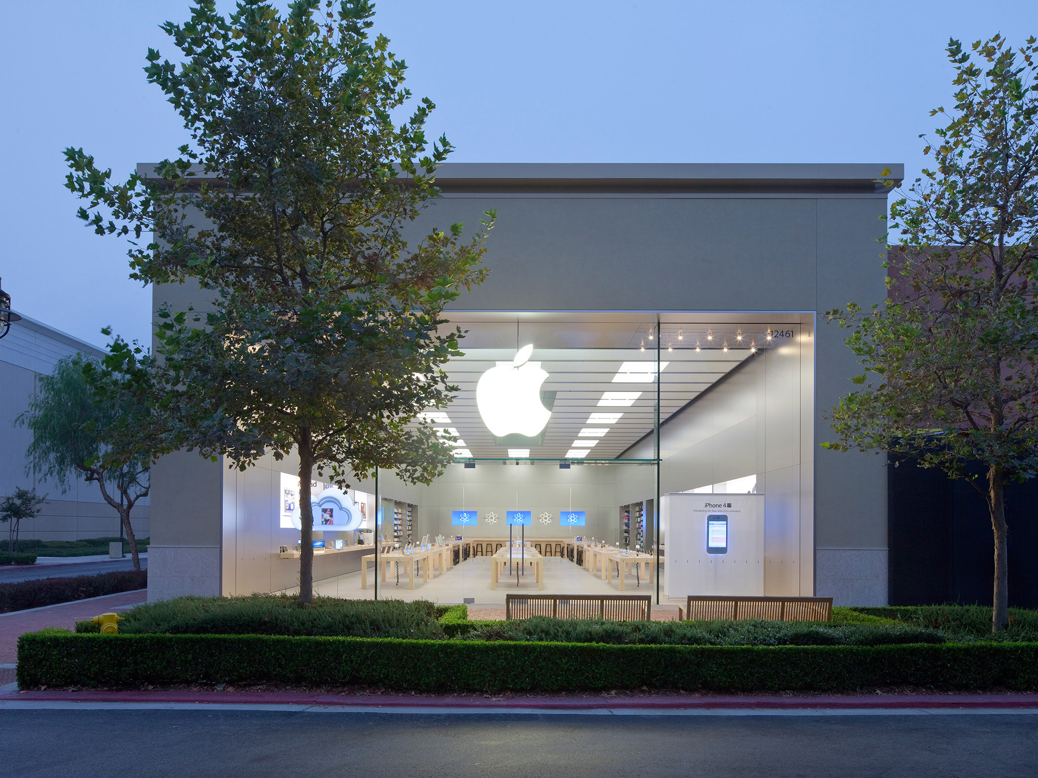Apple Victoria Gardens In Rancho Cucamonga Ca 91739