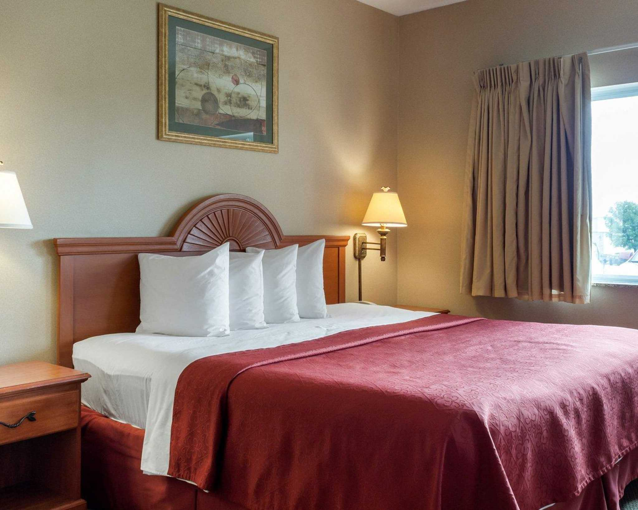 Quality Inn - Brookings, SD 57006 - (605)692-9566 | ShowMeLocal.com
