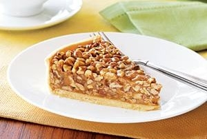 Pecan Praline Pie - Tasty, Texas Pecans all throughout a rich praline filling.