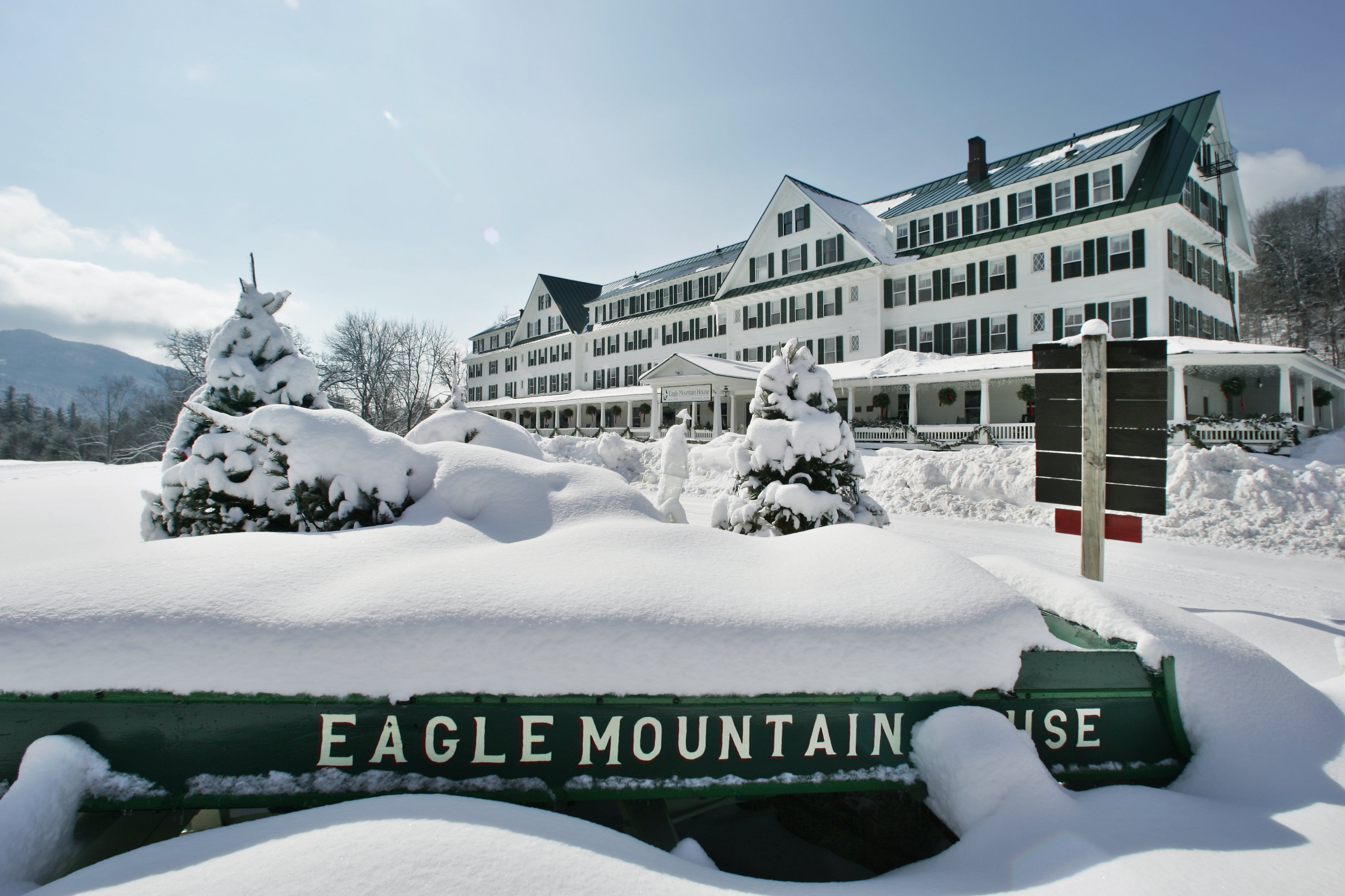 Eagle mountain house golf club coupons near me in for Mountain house coupon
