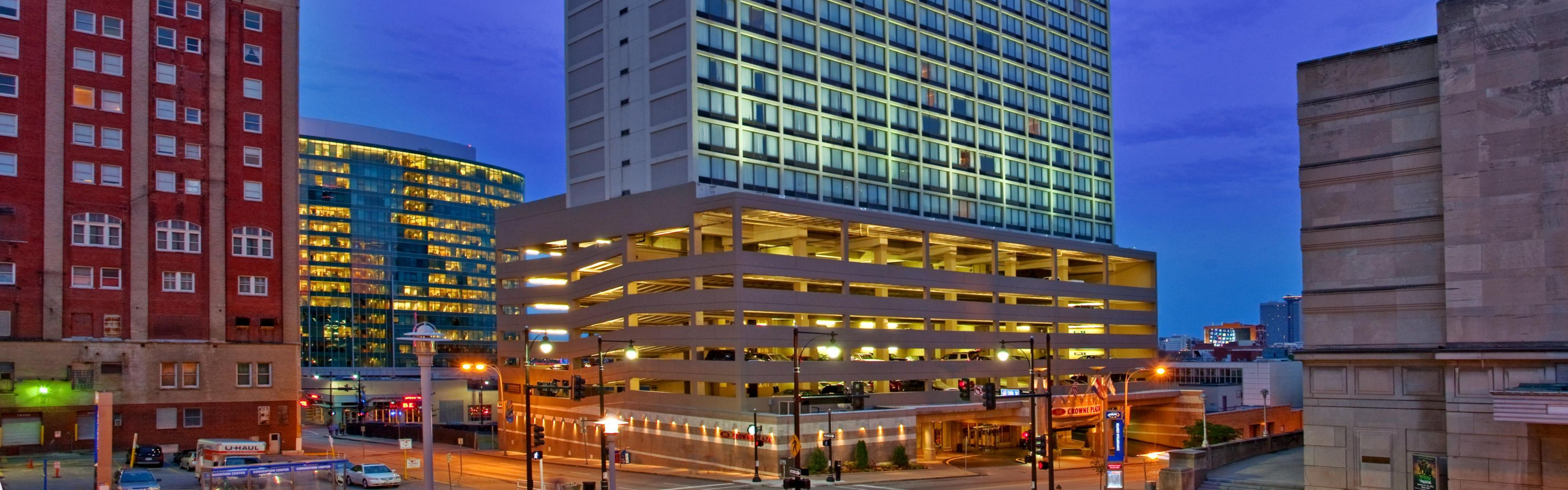 Downtown Kansas City Hotels With Starbucks