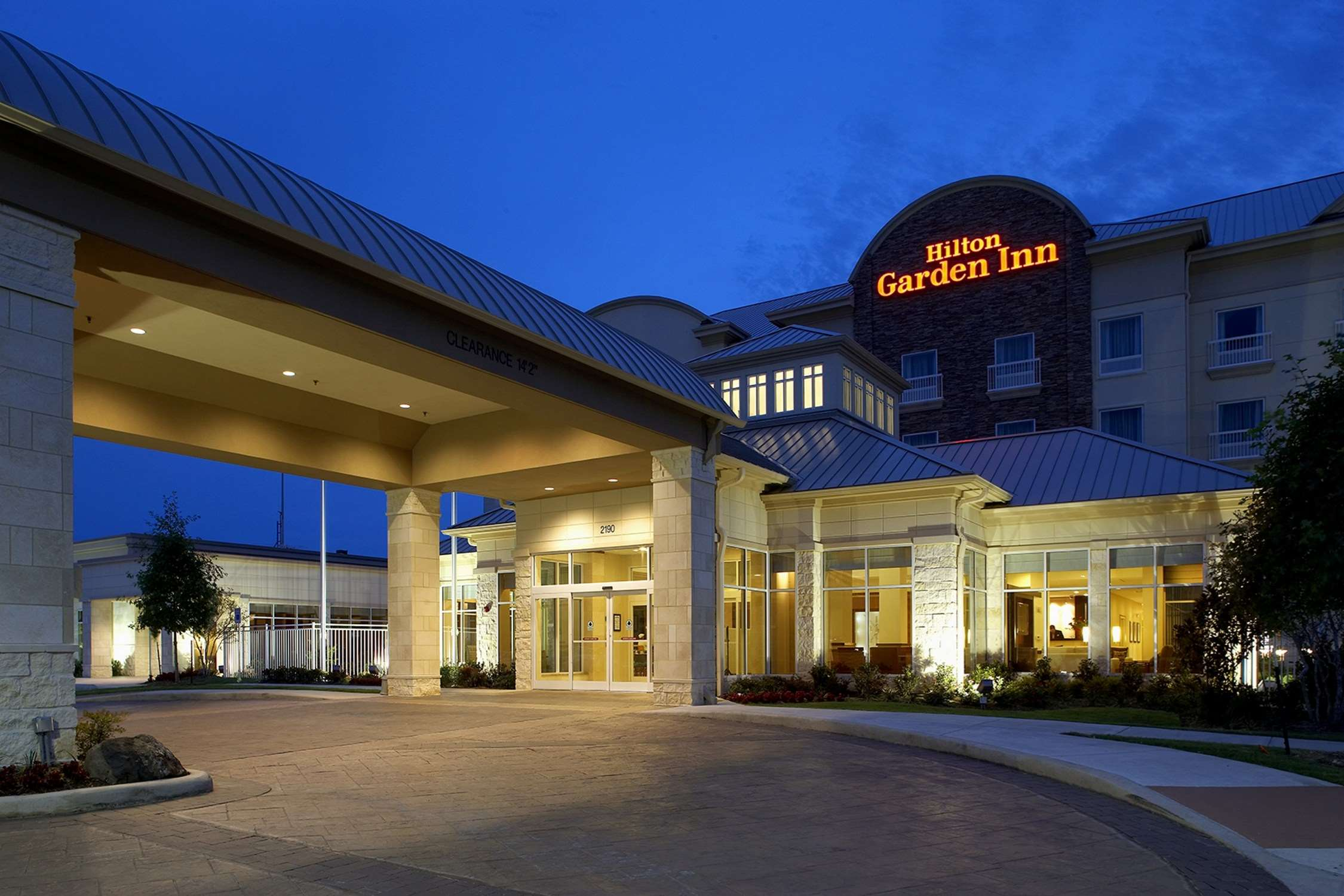 Hilton Garden Inn Dallas/Arlington - Arlington, TX 76006 - (817)274-6644 | ShowMeLocal.com