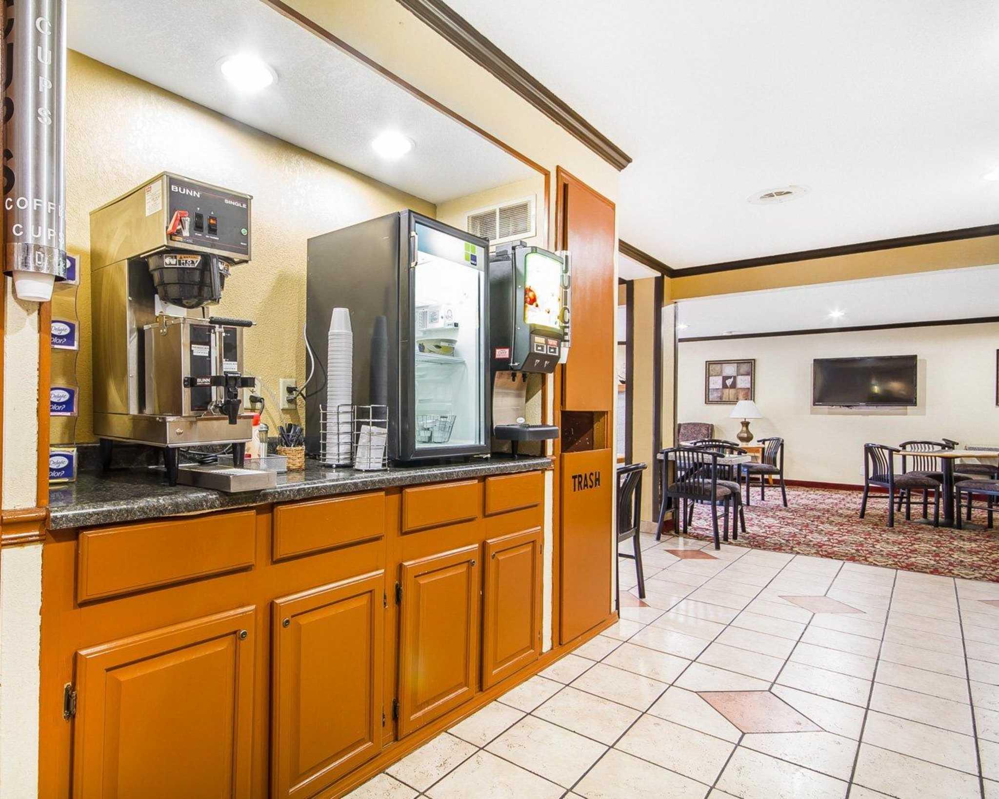 Rodeway Inn Motel, Madison Heights - tripadvisor.com