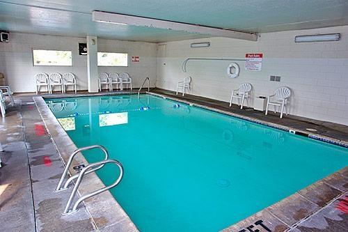 Motel 6 Denver Central - Federal Boulevard image 0