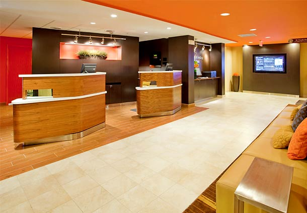 Courtyard by Marriott Houston The Woodlands image 1