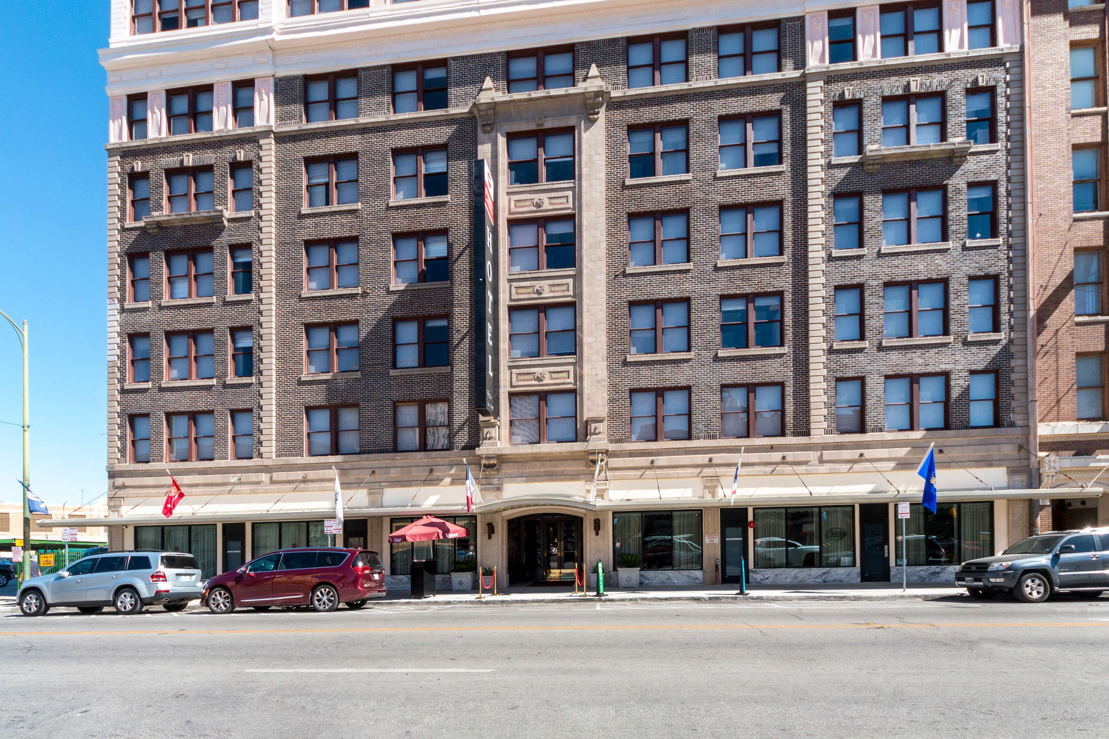 Best Western Premier Historic Travelers Hotel AlamoRiverwalk