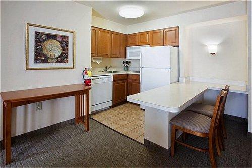 Staybridge Suites Atlanta Perimeter Center - Atlanta, GA -