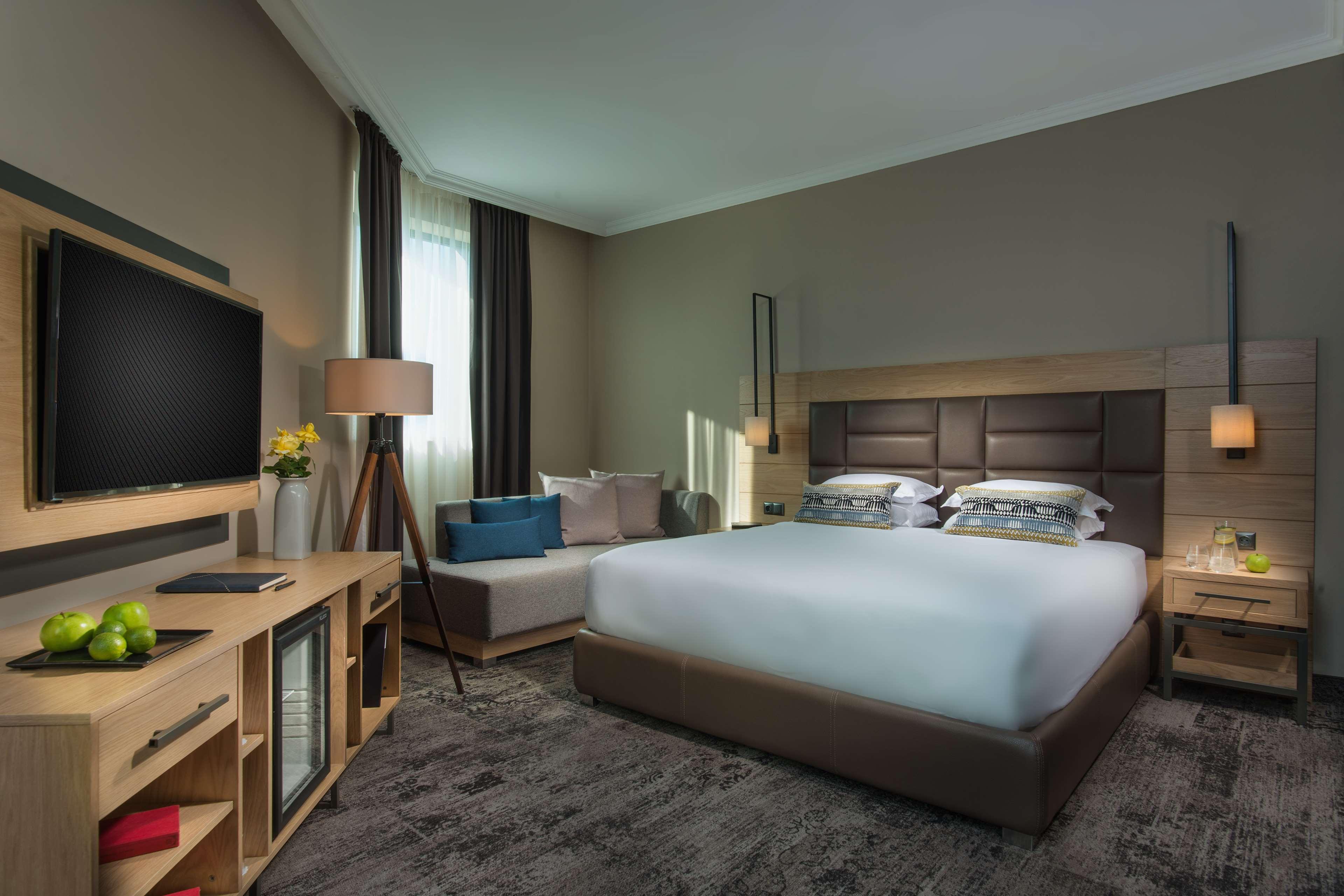 Best Western Plus Expo Hotel