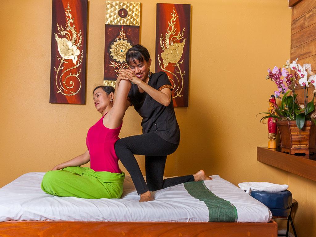 sabaidee thai massage sex shop