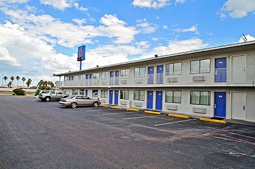 Motel 6 Laredo South image 4