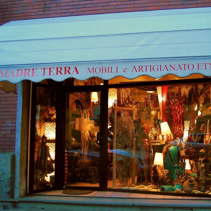 Casa giardino mobili a vigevano infobel italia for Mobilifici genova