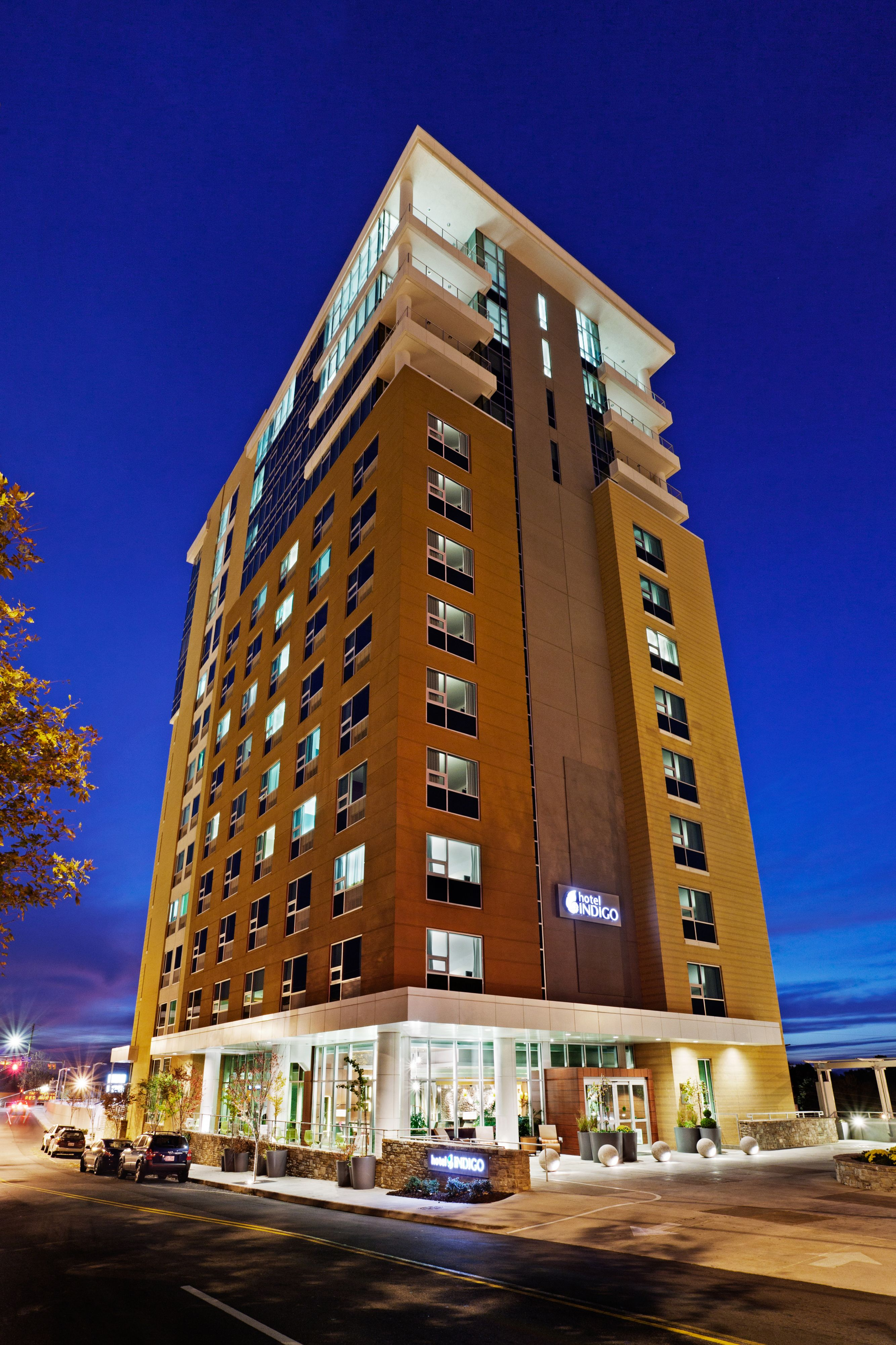 Hotels Downtown Windsor On
