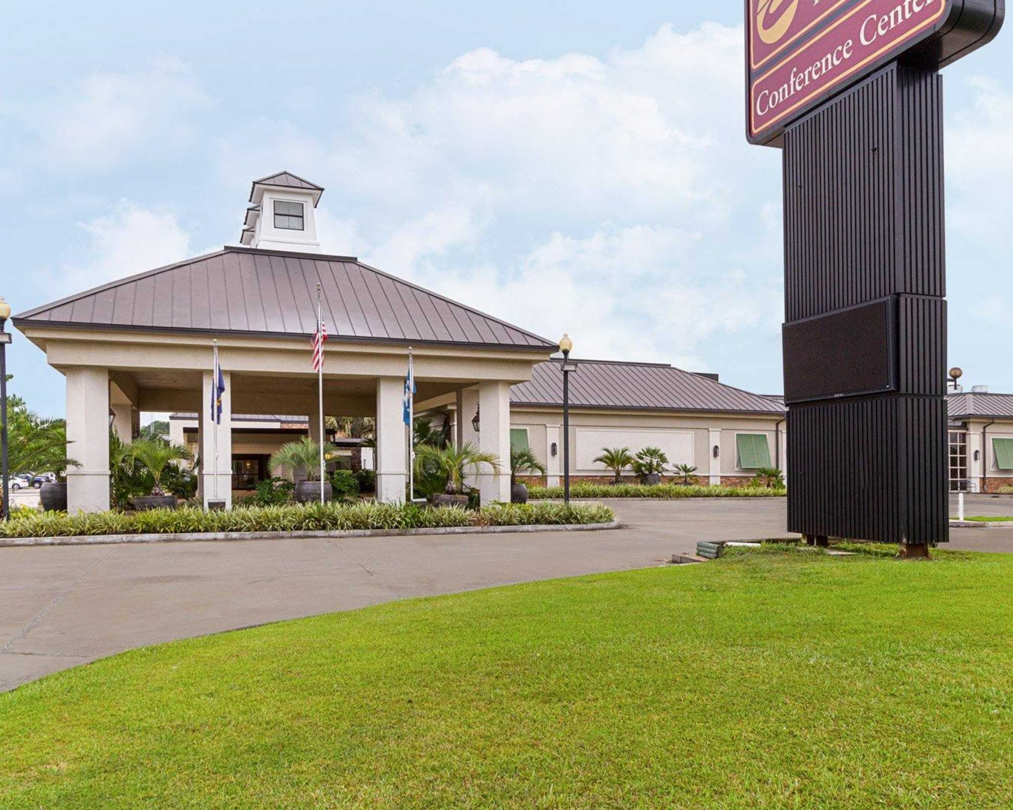 Clarion inn suites conference center covington louisiana la for Hilton garden inn covington la